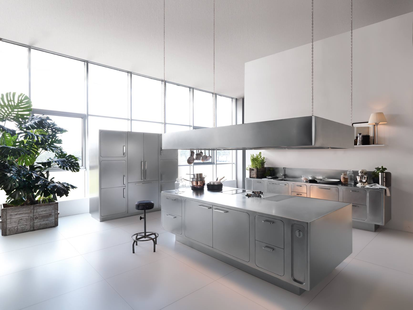Cook like a masterchef european kitchen for Kitchens by design